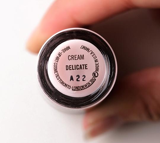 MAC Delicate Nail Lacquer