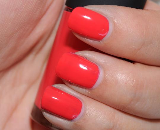 MAC Vivid Effect Nail Lacquer
