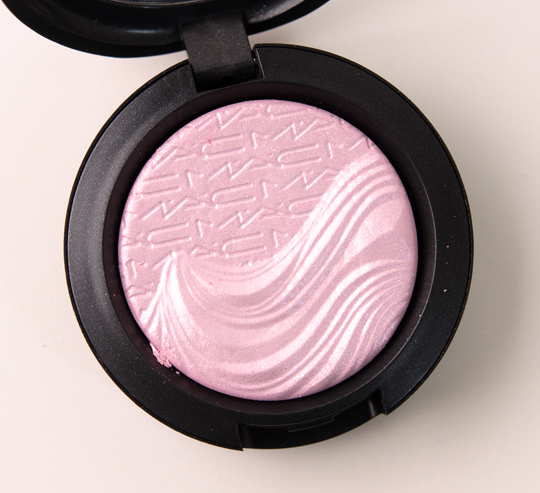 MAC Young Venus Extra Dimension Eyeshadow