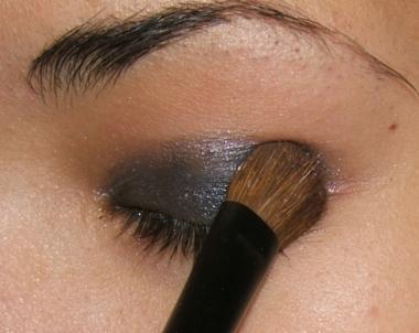 tutorial smokey step007 Smokey Eye   Tutorial for Beginners