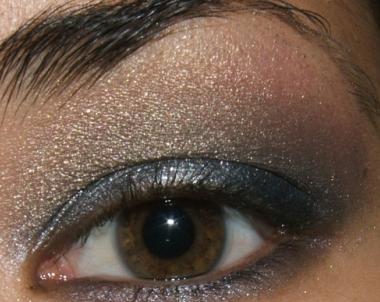 كيفية عمل ميك اب عيون سموكي للسهرات يجنن بالصور tutorial-smokey-step014.jpg