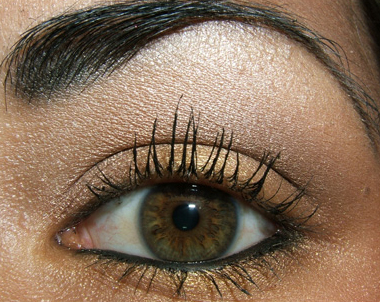 how to apply eye makeup for brown eyes. Eye Makeup Tips to Brighten
