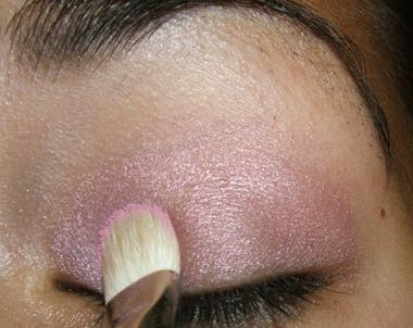 tutorial frescopink006 Soft Pink Look Using Fresco Rose Paint Pot