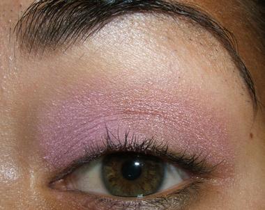طريقة عمل مكياج عيون وردي ناعم للبنات بالصور tutorial_frescopink007.jpg
