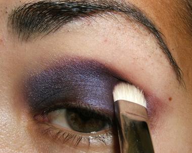 خطوات عمل مكياج عيون جذاب بالصور tutorial_purplesmoke013.jpg