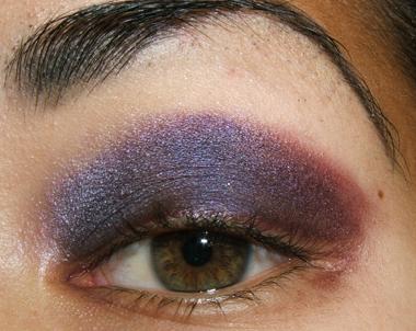 خطوات عمل مكياج عيون جذاب بالصور tutorial_purplesmoke014.jpg