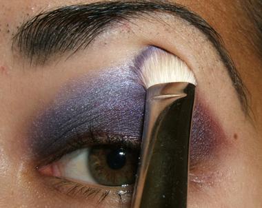 خطوات عمل مكياج عيون جذاب بالصور tutorial_purplesmoke015.jpg