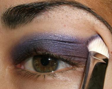 خطوات عمل مكياج عيون جذاب بالصور tutorial_purplesmoke016.jpg