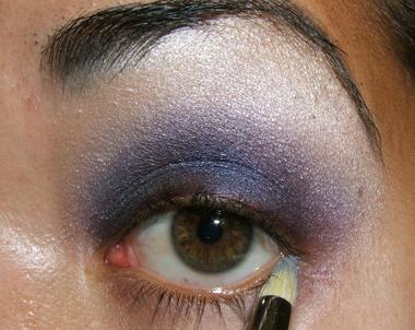 خطوات عمل مكياج عيون جذاب بالصور tutorial_purplesmoke023.jpg