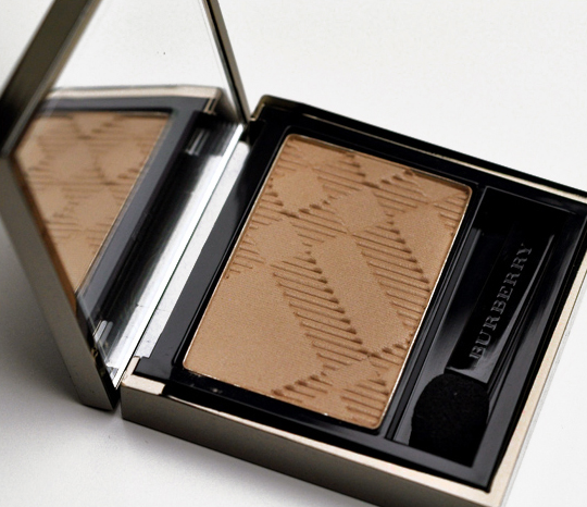 Burberry Almond (06) Eyeshadow
