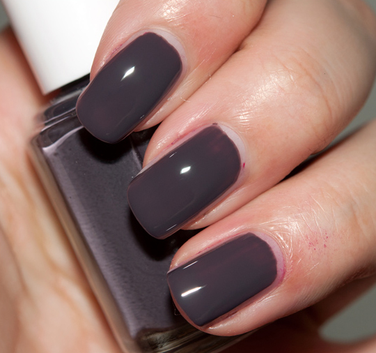 Essie Smokin\' Hot Nail Lacquer Review & Swatches