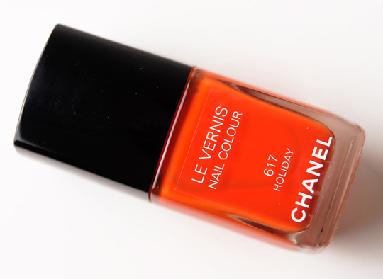 Chanel Holiday Le Vernis Nail Colour