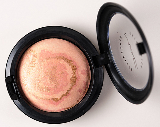 MAC Light Year Mineralize Skinfinish