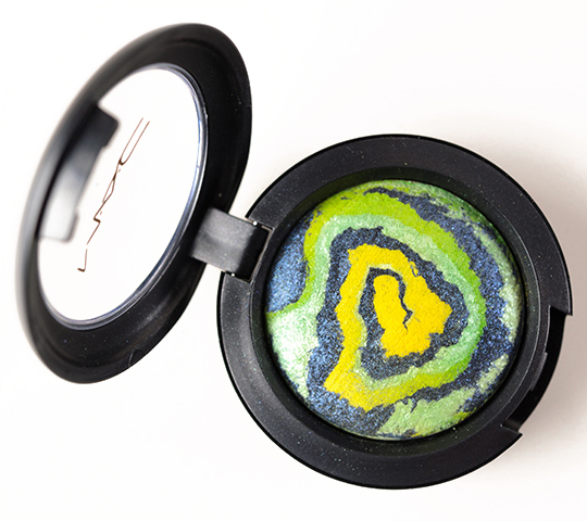 MAC Water Mineralize Eyeshadow