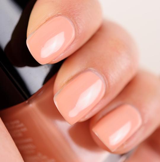 Chanel Emprise Le Vernis / Nail Colour