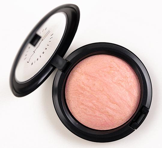 MAC Porcelain Pink Mineralize Skinfinish