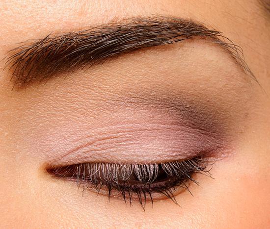Benefit Quick, Look Busy Longwear Powder Eyeshadow