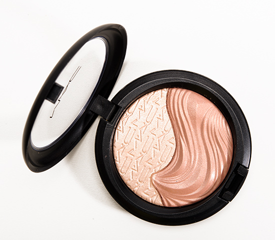 MAC Definitely Defined Extra Dimension Skinfinish