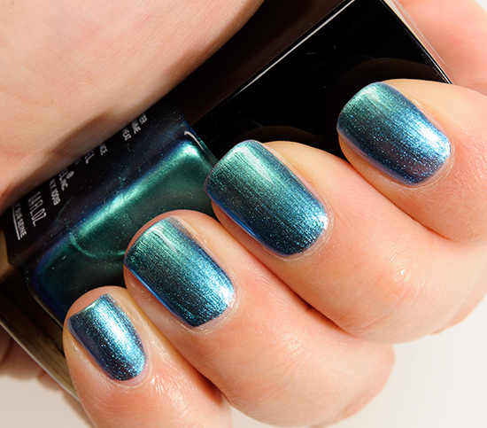 Chanel Azure (657) Le Vernis Nail Colour Review, Photos, Swatches