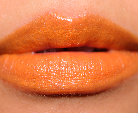 Choosing the right lipstick is a great way to make a bold style statement in any season. Orange and coral tones are popular for brightening up summer looks, while ruby reds and dark browns are the ideal shades for fall and winter.