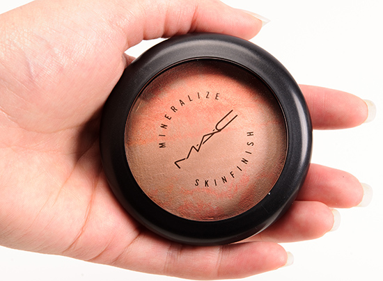 MAC Adored Mineralize Skinfinish