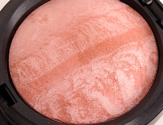 MAC Lust Mineralize Skinfinish