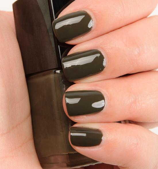 Chanel Mysterious (601) Le Vernis Nail Colour