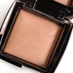 Hourglass Radiant Light Ambient Lighting Powder