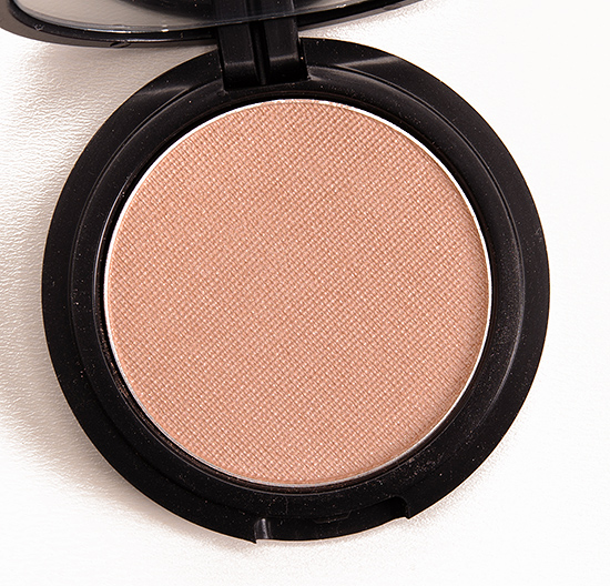 Le Metier de Beaute Whisper Radiance Powder Rouge