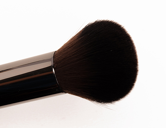 Make Up For Ever #152 Medium Highlighter Brush