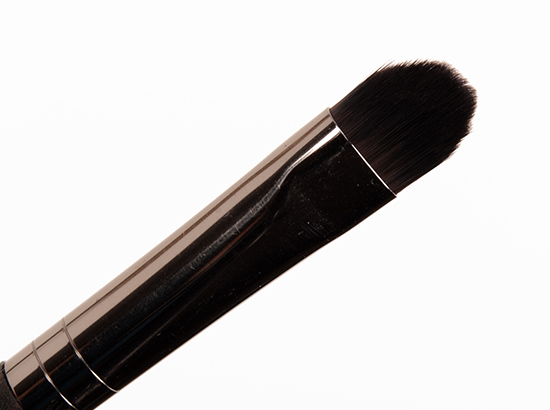 Make Up For Ever #228 Medium Precision Shader Brush