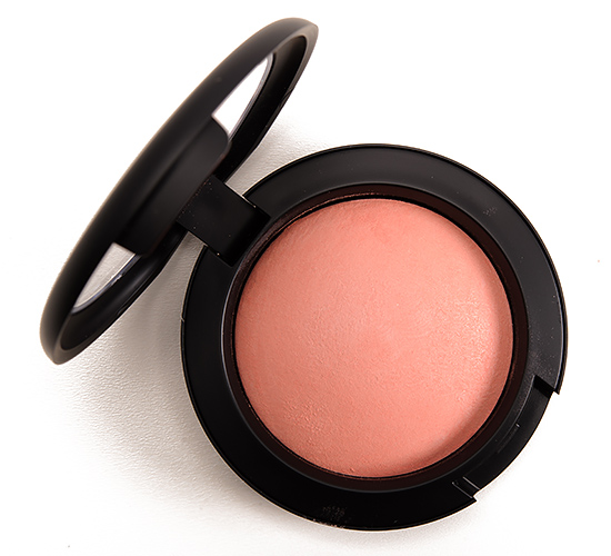MAC Lured to Love Mineralize Blush