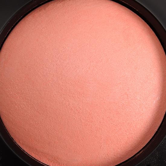 MAC Lured to Love Mineralize Blush