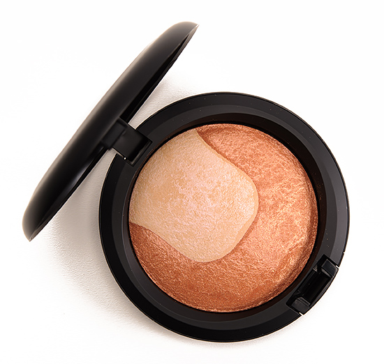 MAC Perfectly Poised Divine Night Mineralize Skinfinish