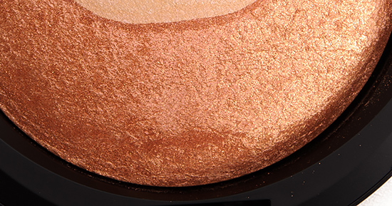 MAC Perfectly Poised (Outer) Mineralize Skinfinish