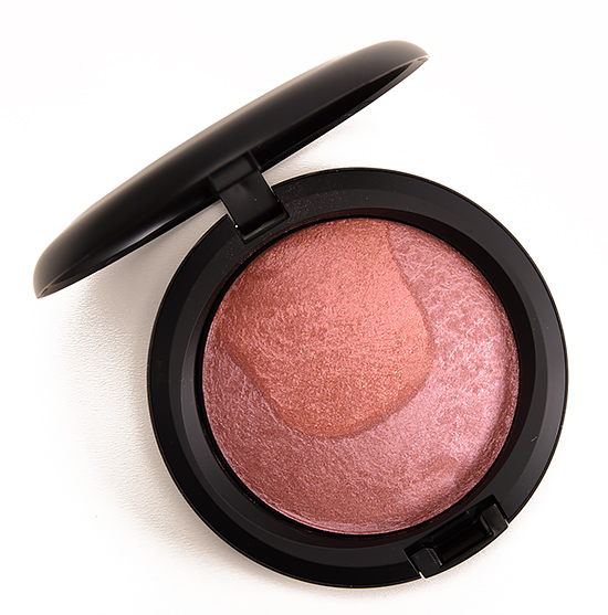 MAC Scene to Be Seen Divine Night Mineralize Skinfinish