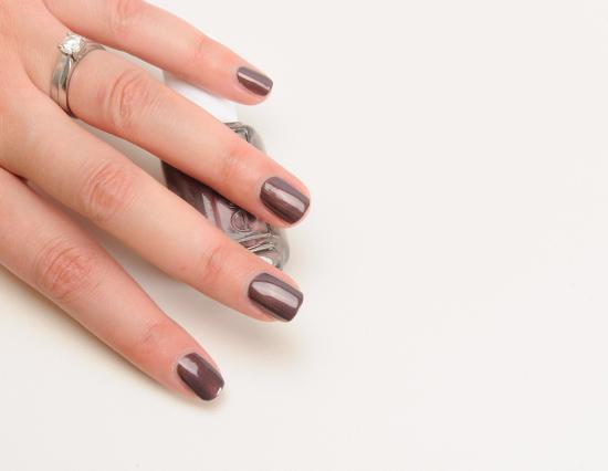 Essie Sable Collar Nail Lacquer