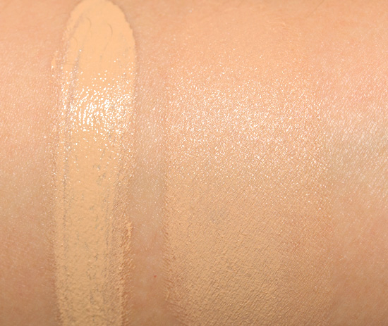 Hourglass Ivory Illusion Oil Free SPF 15