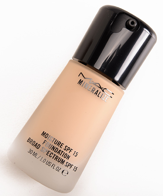 Mac Nw20 Mineralize Moisture Spf 15
