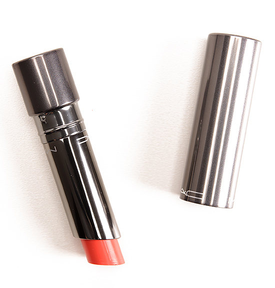 MAC Fashion Force Huggable Lipcolour