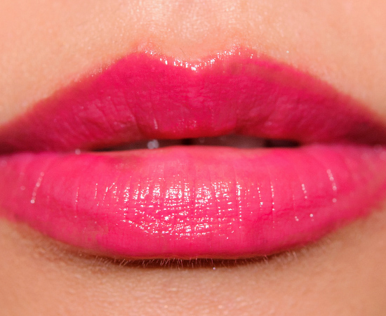 MAC Feeling Amorous? Huggable Lipcolour