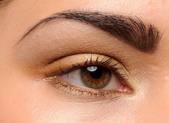 MAC Unwind Eyeshadow