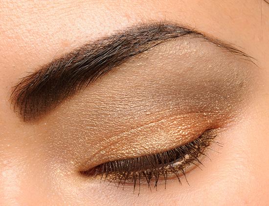 MAC A Glimmer of Gold Mineralize Eyeshadow Quad