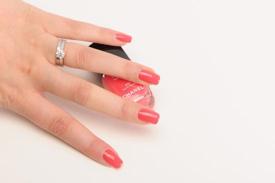 Chanel Tutti Frutti Le Vernis Nail Colour