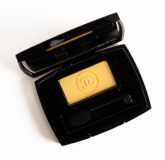 Chanel Admiration (114) Soft Touch Eyeshadow