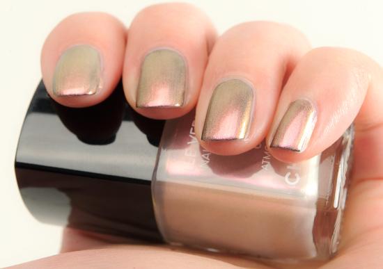 Chanel Atmosphere (629) ver Orage (631) Le Vernis Nail Colour