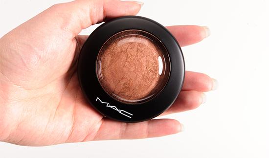 ผลการค้นหารูปภาพสำหรับ Mac Mineralize Skinfinish Cheeky Bronze