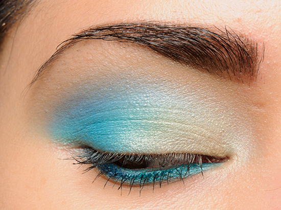 Make Up For Ever ME232 Turquoise Blue Artist Shadow