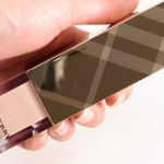 Burberry Nude Radiance No. 01 Fresh Glow Luminous Fluid Base