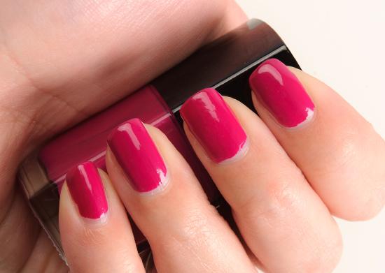 Chanel Desirio (643) Le Vernis Nail Colour